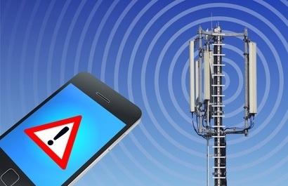 handystrahlung und ein mobilfunk-sendemast